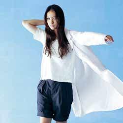モデルプレス - 武井咲、白衣姿を初披露 女医挑戦で先輩・米倉涼子を目指す
