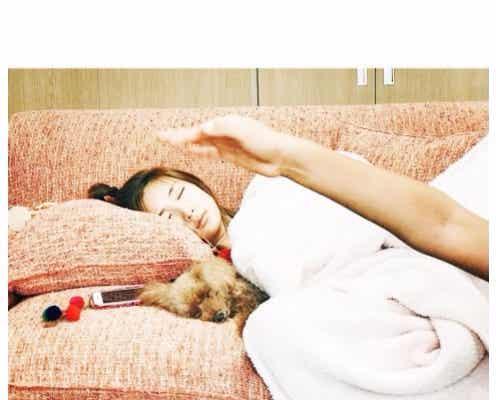 紗栄子、子供が撮った寝落ちショットが可愛すぎ「癒された」「寝顔まで天使」