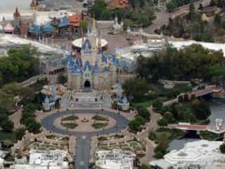 ディズニー、フロリダのテーマパーク「ウォルト・ディズニー・ワールド」の段階的再開計画を明らかに