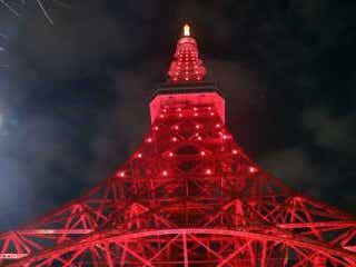 右も左も中国語… 1日限りの「レッドライトアップ」で東京タワーが中国に 東京タワーが1日限りのレッドライトアップ。点灯式に参加するも…。