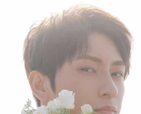 AAA與真司郎、白いバラ&アンニュイな表情の写真集表紙解禁 アーティスト活動休止前アルバムに同梱