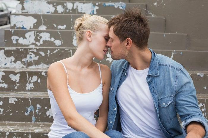 少し色気のあるキス顔も男性ウケ◎(Photo-by-wavebreakmedia)