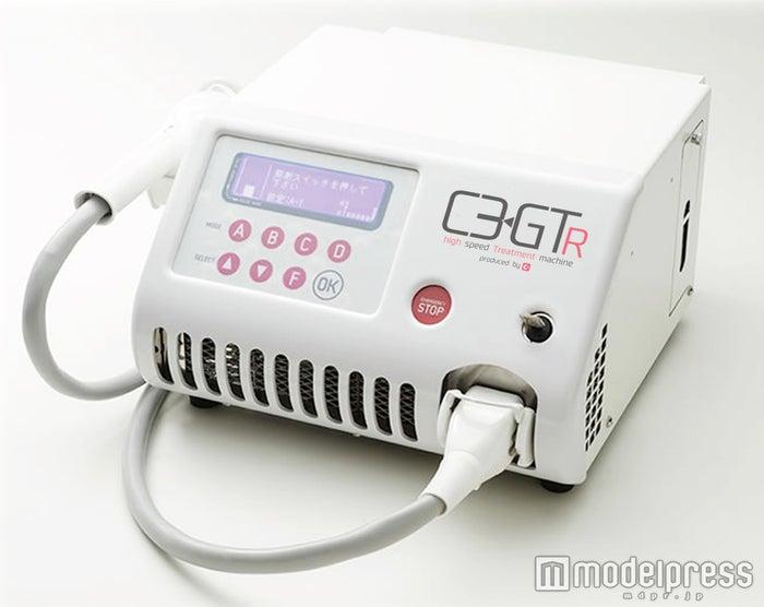 国産の脱毛マシン「ルネッサンス」の使用で超光速GTR脱毛が可能に