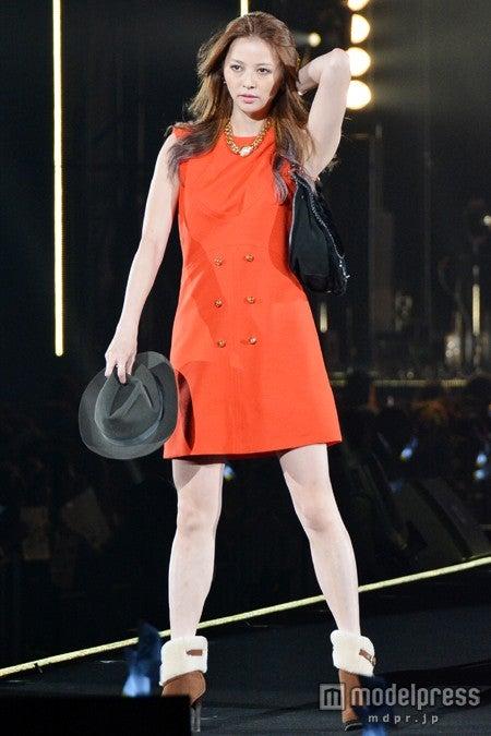 ファッションフェスタ「第19回 東京ガールズコレクション 2014 AUTUMN/WINTER」に出演した香里奈【モデルプレス】
