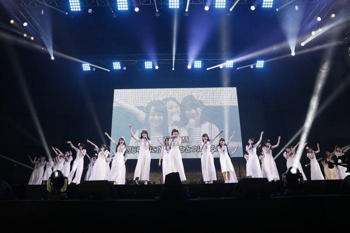 「AKB48グループ感謝祭~ランク外コンサート~」より(C)AKS
