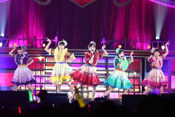 横浜アリーナで行われたライブ「ももクロくらぶxoxo~バレンタインDE NIGHT だぁ~Z!2017〈バレンタイン・裏〉」(提供写真)<br>