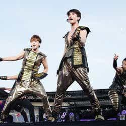全国ツアーファイナル公演「東方神起 LIVE TOUR 2013~TIME~FINAL in NISSAN STADIUM」を開催した東方神起(左から)ユンホ、チャンミン