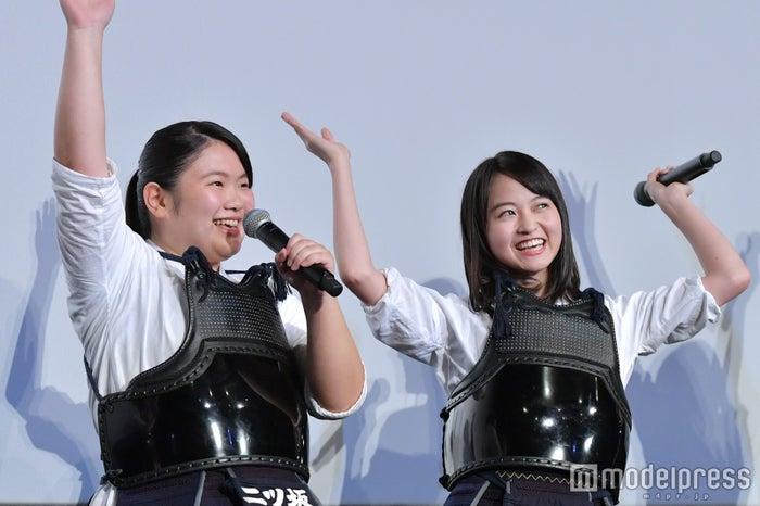 富田望生、伊藤万理華(C)モデルプレス