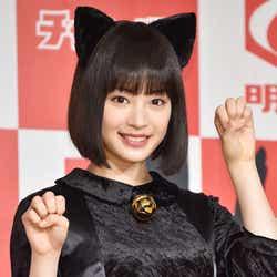 モデルプレス - 広瀬すず「ネコ被っています」黒ネコのコスプレで登場