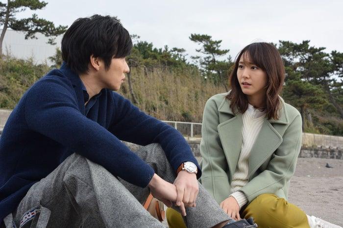 田中圭・新垣結衣/「獣になれない私たち」第7話より(C)日本テレビ