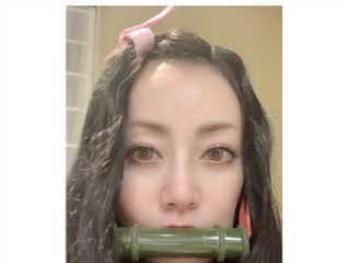 PUFFY大貫亜美、初のカラコンで「鬼滅」禰豆子コス 岩堀せりは無惨に
