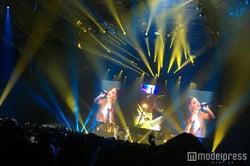 <アリアナ・グランデ来日公演ライブレポート>「Break Free」他ヒット曲連続&日本語での挨拶が可愛すぎる!厳戒態勢で初日迎える