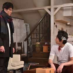 間宮祥太朗、ディーン・フジオカ/「今からあなたを脅迫します」より(画像提供:日本テレビ)
