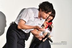 """齋藤飛鳥(右)の""""あーん""""に山田裕貴(右)「飛鳥ちゃんってドSだよね!」(C)モデルプレス"""