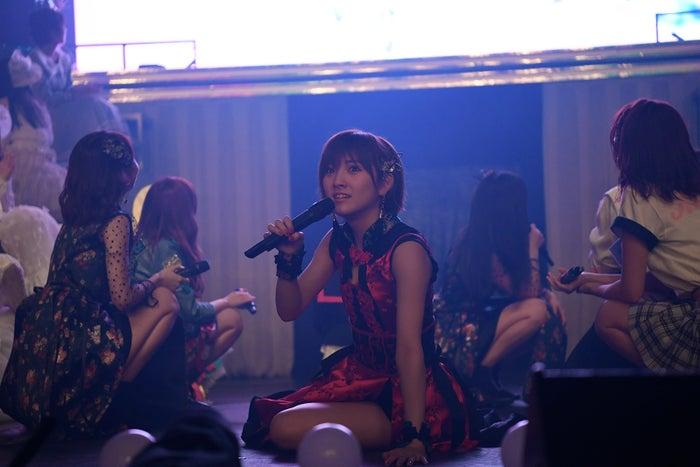 発表された瞬間の岡田奈々「AKB48グループリクエストアワー セットリストベスト100 2018」 (C)AKS