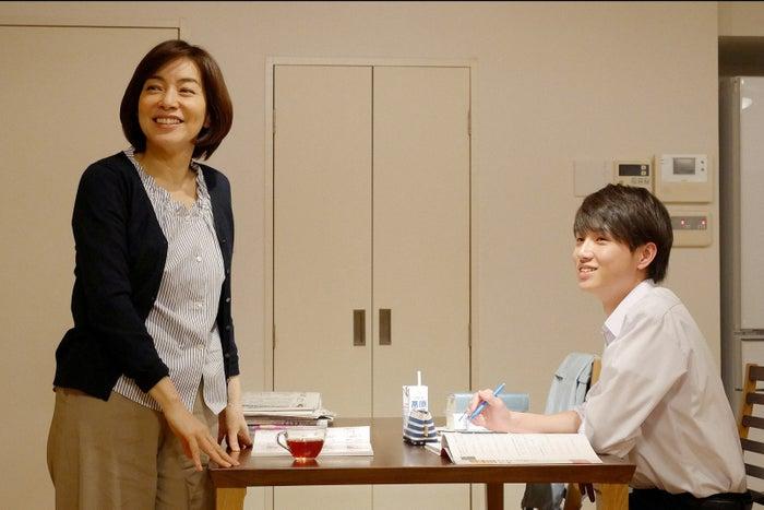 絃瀬聡一(右) (C)TBS