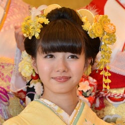 AKB48市川美織、レモンまみれの晴着姿を披露 不思議キャラ爆発