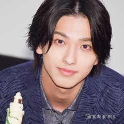 """モデルプレス - 横浜流星、バースデーサプライズで興奮 23歳の""""抱負""""に拍手喝采<いなくなれ、群青>"""