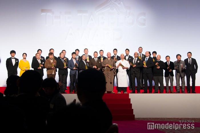 吉高由里子、渡部建、寺門ジモンらも登壇した授賞式の様子 (C)モデルプレス