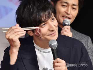 """生田斗真35歳バースデーをサプライズ祝福 """"肉ケーキ""""登場も「なんでローストビーフだったのかな」<俺の話は長い>"""