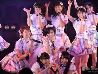 大人AKB48、涙で卒業「普通のママに戻ります」<セットリスト>