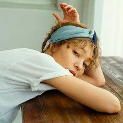 夏スタイルのポイントに♡大人女子のためのシルク100%きれい色ヘアバンド