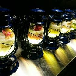 ランプ型パフェで人気上昇中!滋賀の新SNS映えパフェ専門店「LAMP」が気になる