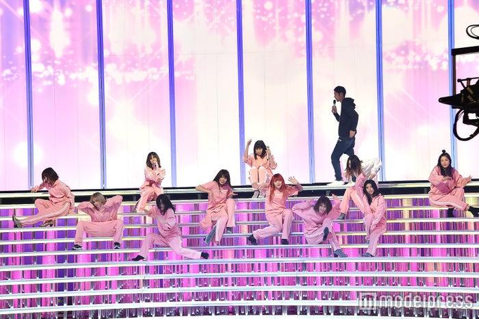 E-girls (C)モデルプレス