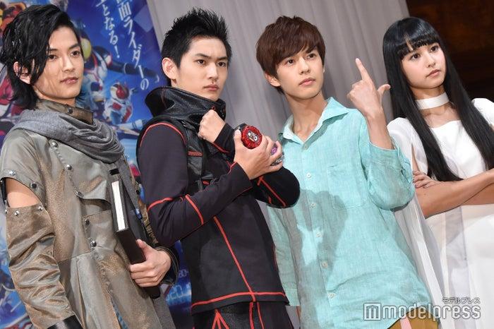 「仮面ライダージオウ」に出演する(左から)渡邊圭祐、押田岳、奥野壮、大幡しえり (C)モデルプレス