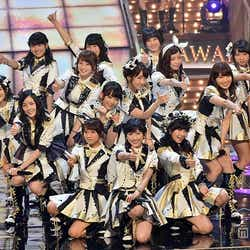モデルプレス - AKB48「レコ大」で豪華メドレー披露