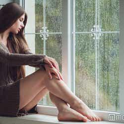 モデルプレス - 辛い恋にはもうさようなら!苦しい恋愛から卒業するための5つの選択肢