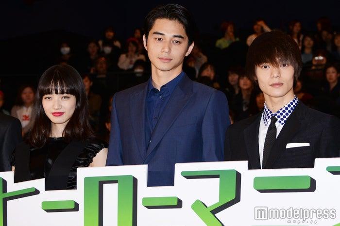 (左より)小松菜奈、東出昌大、窪田正孝(C)モデルプレス