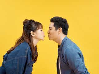 こういうの理想…♡意外と男性が「彼女にやってほしいキスやハグ」特集