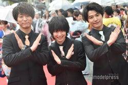 (左から)浅香航大、小越勇輝、堀井新太(C)モデルプレス