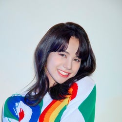 "NiziU""圧倒的ボーカル力""ニナ、苦手克服で成長 J.Y. Park「本当に驚きました」"