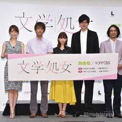 (左より)泉里香、中尾暢樹、森川葵、城田優、河原雅彦(C)モデルプレス
