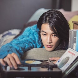 「恋つづ」出演の注目俳優・渡邊圭祐、初のカレンダーを発表
