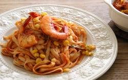 和麺でイタリアン!? つるっと食べやすい「きしめんトマトソース」