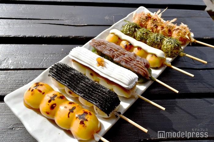 おまかせセットA 680円+渋皮マロン生クリーム194円+チーズだんご151円。焼き目も、トッピングも美しく、カンペキなSNS映え!(C)モデルプレス