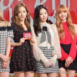 BLACKPINK(左から:ROSE、JISOO、JENNIE、LISA)、藤田ニコル(にこるん) (C)モデルプレス