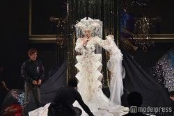 「メガ幸子」に不具合が発生し、リハーサルは一時中断(C)モデルプレス