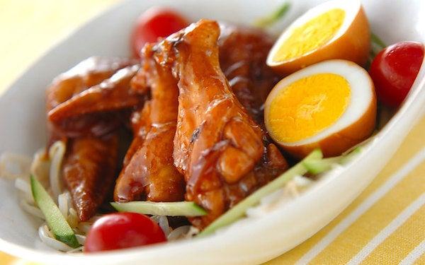 ホロホロのお肉で食が進む、リピート確実な手羽と卵の黒酢煮