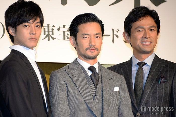 (左から)松坂桃李、竹野内豊、江口洋介