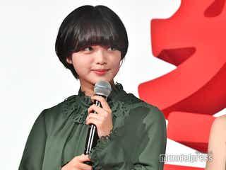 欅坂46平手友梨奈、授賞式での戸惑い告白「心の中ではずっとモジモジ」裏話明かす