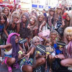 """モデルプレス - """"強め黒肌ギャル""""が渋谷に集結!全国規模のギャルサーが本格始動<独占レポート>"""
