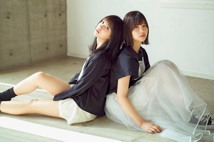 (左から)小林由依、渡邊理佐(画像提供:講談社)