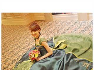 南明奈、濱口優との結婚披露宴「アナ雪」風ドレスでお色直し「可愛い」「お姫さまみたい」と反響