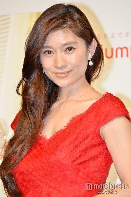 篠原涼子、産後は「20kg近く太った」スタイルキープの秘訣明かす【モデルプレス】