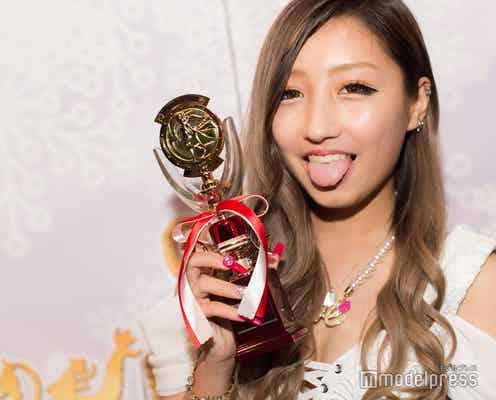 """""""日本一のギャル""""準グラは「TikTok」でも人気の中学3年生 瀬戸ももあさんの素顔とは<TOP OF GAL 2018>"""
