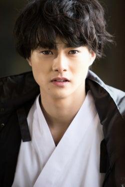 舞台「ハイキュー!!」で話題の結木滉星、「一礼して、キス」で映画初出演
